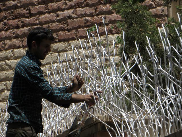 نصب حفاظ شاخ گوزنی سفید