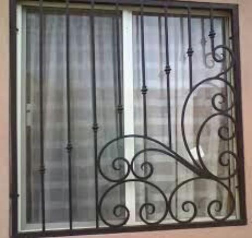 حفاظ پنجره مدل دار