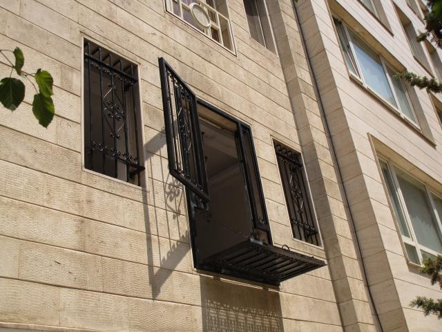نرده پنجره باز